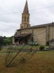 atterrissage de la bombe dans le jardin de l'église